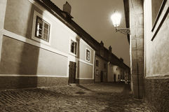 европейская узкая улица Стоковая Фотография RF