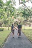 Европейские пары медового месяца в балийской зоне виска Тропический остров Бали, Индонезии Стоковые Изображения