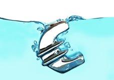 Европейский выплеск знака евро валюты в воду Стоковое Изображение RF