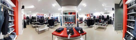Европейский brandnew магазин одежды Стоковая Фотография