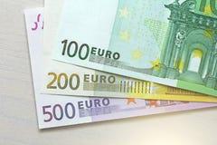 Евро Бумажные банкноты евро различных деноминаций - 100, Стоковое Фото
