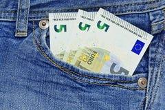 15 евро в карманн джинсов Стоковая Фотография RF