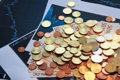 Евро денег с диаграммой Стоковое Изображение