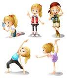 5 девушек делая различные вещи Стоковое Изображение RF