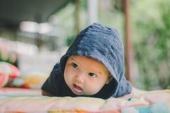 девушка бутылки младенца Стоковая Фотография RF