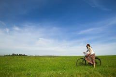 девушка велосипеда Стоковые Фотографии RF