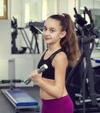 девушка идет спорты Стоковые Изображения