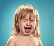 девушка меньший портрет Она плачет Стоковые Изображения