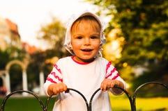 девушка меньший усмехаться портрета Стоковое фото RF