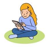 девушка меньшяя таблетка ПК Стоковая Фотография