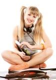 девушка довольно записывает детенышей винила Стоковое фото RF