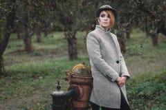 девушка пальто Стоковые Фото