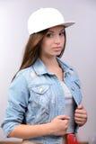 девушка предпосылки над белизной подростка студии всхода Стоковая Фотография