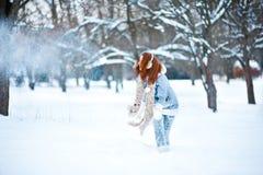 девушка пущи снежная Стоковое фото RF