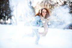 девушка пущи снежная Стоковая Фотография RF