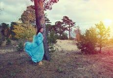 девушка платья средневековая Стоковые Фотографии RF
