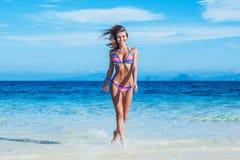 девушка пляжа милая Стоковое Изображение