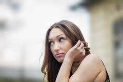 девушка смотря подростковые заботливые тревоги стоковое фото