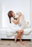 девушка собаки немногая Стоковая Фотография RF