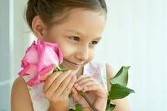 девушка цветка немногая подняла Стоковая Фотография RF