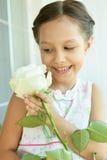 девушка цветка немногая подняла Стоковые Фотографии RF