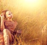 девушка outdoors романтичная Стоковая Фотография
