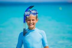 девушка snorkeling Стоковые Фото