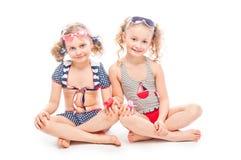 2 девушки в купальных костюмах Стоковое Изображение