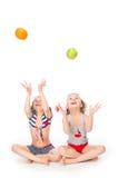 2 девушки в купальных костюмах Стоковая Фотография RF