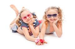 2 девушки в купальных костюмах Стоковые Фотографии RF