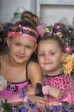 2 девушки в пинке для рождества Стоковые Изображения
