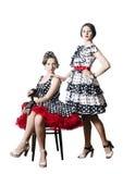 2 девушки в стиле pin-вверх Белая предпосылка Стоковые Изображения