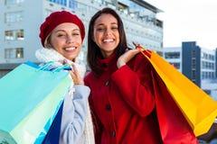 2 девушки делая покупки Стоковое фото RF
