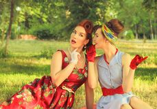 девушки злословя 2 Стоковые Фотографии RF