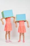 2 девушки играя зомби Стоковое Фото