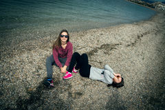 2 девушки морем Стоковая Фотография RF