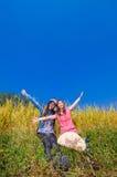 2 девушки на золотых террасах Стоковое Изображение
