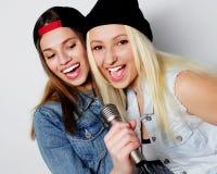 девушки пея Стоковое Изображение RF