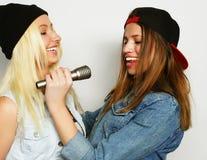 девушки пея Стоковое Изображение