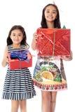 2 девушки с коробками для подарков Стоковое Изображение