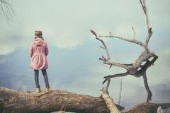 девушки outdoors Стоковая Фотография