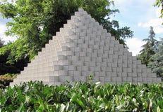 египетская зеленая белизна лета пирамидки парка стоковая фотография rf