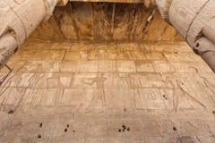 Египетские иероглифы в виске покойницкой Seti i, Луксор, Египет стоковая фотография