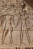 Египетские иероглифы в виске Medinet Habu, Луксоре, Египте стоковое изображение rf