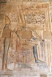 Египетские иероглифы в виске Medinet Habu, Луксоре, Египте стоковые фотографии rf