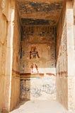 Египетские иероглифические carvings на стене стоковое фото rf