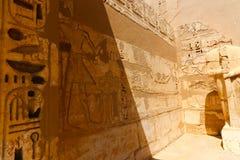 Египетские надписи на виске - Египте стоковое изображение rf