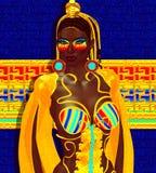 Египетские ферзь, фараон или принцесса в красочном striped обмундировании с косметиками моды Стоковое Изображение RF