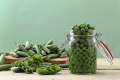 Еда вегетарианца зеленых горохов стоковые изображения rf