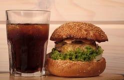 еда диетпитания не Бургер и кола стоковые фотографии rf